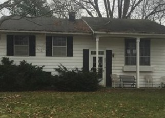 Pre Foreclosure in Michigan City 46360 HICKORY ST - Property ID: 1442549868