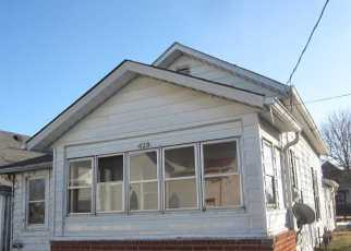 Pre Foreclosure in Shelbyville 46176 E FRANKLIN ST - Property ID: 1442561240