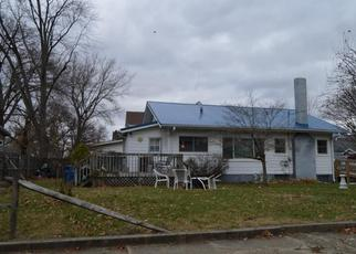Pre Foreclosure in Shelbyville 46176 SAINT MARY ST - Property ID: 1442623435