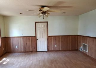 Pre Foreclosure in Winamac 46996 N MONTICELLO ST - Property ID: 1442679947