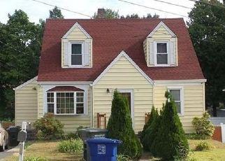 Pre Foreclosure in Bridgeport 06606 SUNRISE TER - Property ID: 1443565519
