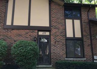 Pre Foreclosure in Villa Park 60181 BUCKINGHAM LN - Property ID: 1443940423