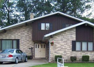 Pre Foreclosure in Euclid 44117 BRECKENRIDGE DR - Property ID: 1444317523