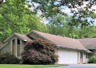 Pre Foreclosure in Raynham 02767 PINE TREE LN - Property ID: 1444944706