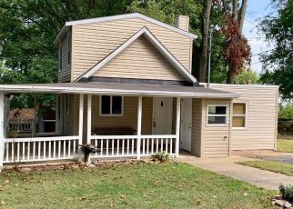 Pre Foreclosure in York 17403 LANCASTER AVE - Property ID: 1445367344