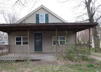 Pre Foreclosure in Evansville 47714 S VILLA DR - Property ID: 1446130296