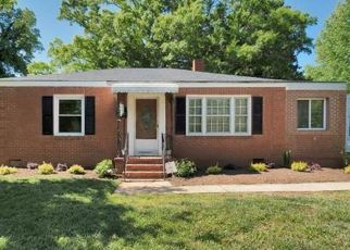 Pre Foreclosure in Charlotte 28208 BELFAST DR - Property ID: 1446789897