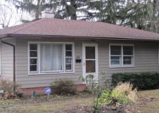 Pre Foreclosure in Toledo 43615 ROCHELLE RD - Property ID: 1447681153