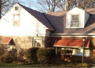 Pre Foreclosure in Cleveland 44121 RENFIELD RD - Property ID: 1447754746