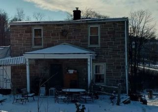 Pre Foreclosure in West Mifflin 15122 BUTTERMILK HOLLOW RD - Property ID: 1447916348