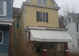 Pre Foreclosure in Pittsburgh 15220 LAKEWOOD AVE - Property ID: 1447960593