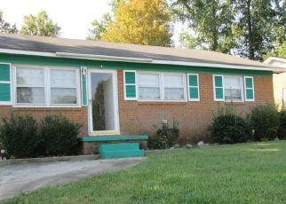 Pre Foreclosure in Greensboro 27401 LLANO PL - Property ID: 1448067454