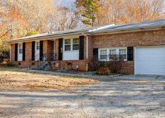 Pre Foreclosure in Oak Ridge 27310 BENBOW MERRILL RD - Property ID: 1448086283