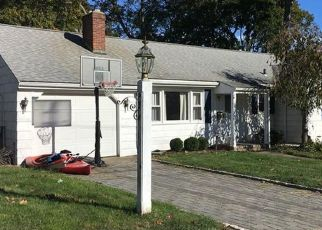 Pre Foreclosure in Milford 06460 KIRKSIDE AVE - Property ID: 1448384100