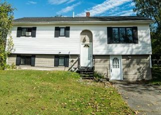 Pre Foreclosure in Bangor 04401 LEAVITT LN - Property ID: 1448394628