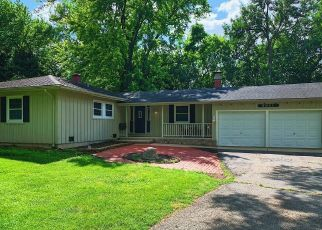 Pre Foreclosure in Algonquin 60102 ZIMMER DR - Property ID: 1448858432