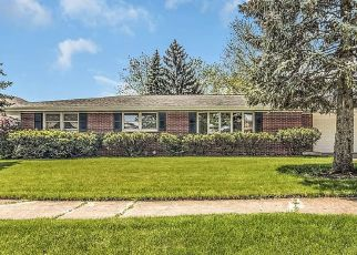 Pre Foreclosure in Crown Point 46307 MOHAWK DR - Property ID: 1449106781
