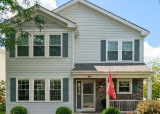 Pre Foreclosure in Oswego 60543 WINGATE DR - Property ID: 1449236856