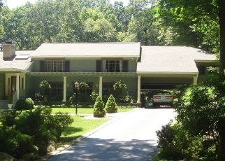 Pre Foreclosure in New Canaan 06840 PARTING BROOK RD - Property ID: 1450038787