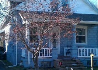 Pre Foreclosure in Reading 19605 MARION ST - Property ID: 1450538955