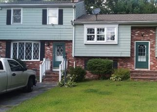 Pre Foreclosure in Whitman 02382 WINDSOR DR - Property ID: 1452639916
