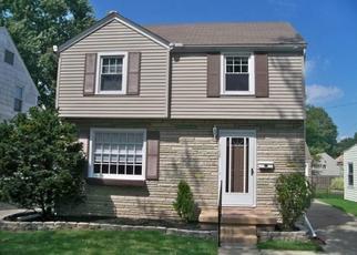 Pre Foreclosure in Toledo 43612 CORBIN RD - Property ID: 1453395858