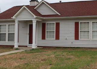 Pre Foreclosure in Greensboro 27405 COUNTRY RIDGE RD - Property ID: 1453779516