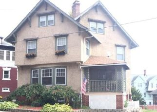 Pre Foreclosure in Waterbury 06710 PINE ST - Property ID: 1454058500