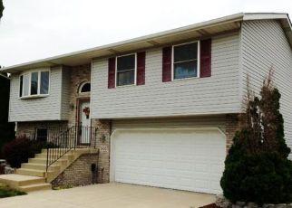 Pre Foreclosure in Hobart 46342 MURRELET ST - Property ID: 1454737359