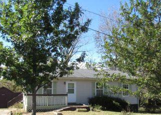 Pre Foreclosure in Elizabethtown 42701 CROSSGATE RD - Property ID: 1454896791