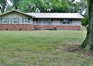 Pre Foreclosure in Metropolis 62960 COUNTRY CLUB RD - Property ID: 1454921307