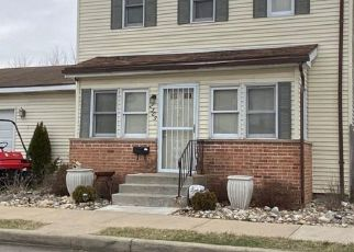 Pre Foreclosure in South Bend 46628 KENWOOD AVE - Property ID: 1455207304