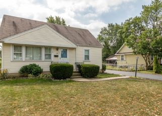 Pre Foreclosure in Melrose Park 60164 MACARTHUR DR - Property ID: 1455365863