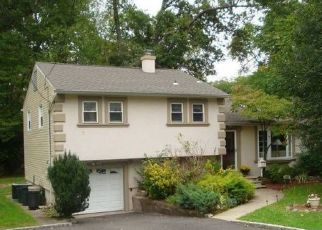 Pre Foreclosure in Verona 07044 LINDEN AVE - Property ID: 1456166468