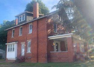 Pre Foreclosure in Huntington 25702 S STAUNTON RD - Property ID: 1456677137