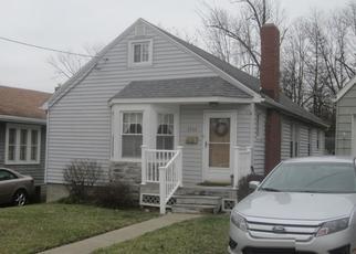 Pre Foreclosure in Zanesville 43701 OAKWOOD AVE - Property ID: 1456787964