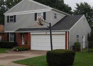 Pre Foreclosure in Oregon 43616 RIDGEWAY DR - Property ID: 1458188598