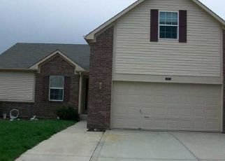 Pre Foreclosure in Fortville 46040 BREAKERS LN - Property ID: 1458367734