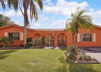 Pre Foreclosure in Miami 33157 SW 170TH TER - Property ID: 1459150835
