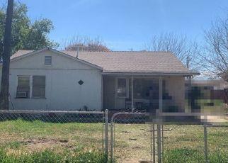 Pre Foreclosure in Lamont 93241 DI GIORGIO RD - Property ID: 1459387777