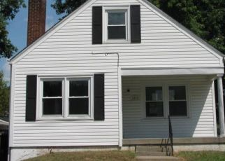 Pre Foreclosure in Louisville 40210 ALLSTON AVE - Property ID: 1459427174
