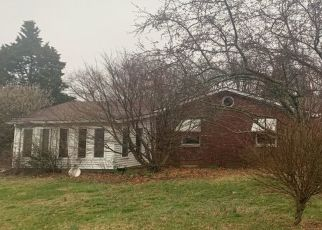 Pre Foreclosure in Floyds Knobs 47119 HUNTERS TRL - Property ID: 1459475811