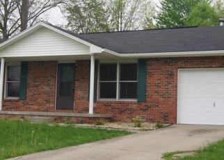 Pre Foreclosure in Columbus 47201 W HILLVIEW LN - Property ID: 1459479303