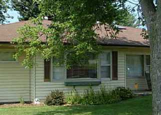 Pre Foreclosure in Seymour 47274 WESTERN PKWY - Property ID: 1459481947