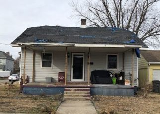Pre Foreclosure in Vincennes 47591 N 12TH ST - Property ID: 1459508650