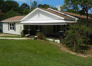 Pre Foreclosure in Bessemer 35022 WALLACE DR SE - Property ID: 1459554193
