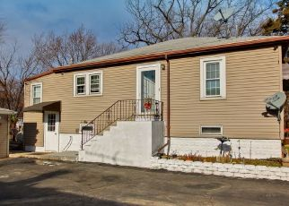 Pre Foreclosure in Melrose Park 60164 N WOLF RD - Property ID: 1459818744