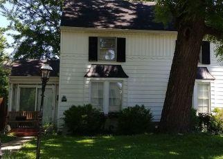 Pre Foreclosure in Greenville 62246 E OAK ST - Property ID: 1459827490