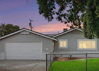 Pre Foreclosure in Fresno 93726 E HOLLAND AVE - Property ID: 1460039925