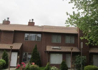 Pre Foreclosure in Fort Lee 07024 1ST ST - Property ID: 1460737606